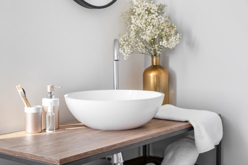 Banheiro decorado com estilo romântico   Blog da Tenda