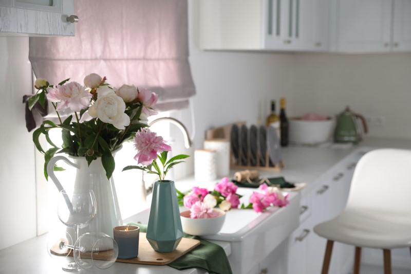 Cozinha com decoração romântica com flores   Blog da Tenda