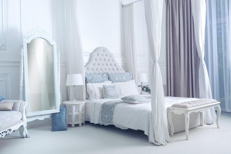 Quarto de Casal com estilo romântico e cama com dossel   Blog da Tenda