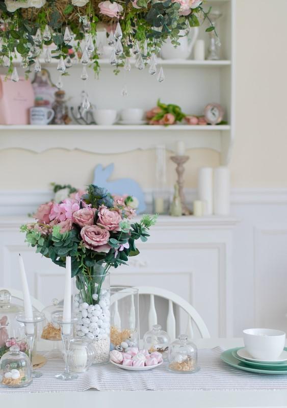 Sala de Jantar Romântica com lustre de cristal e flores   Blog da Tenda